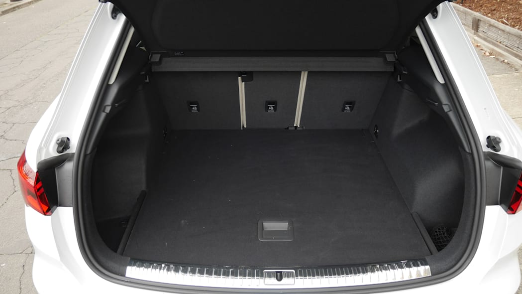 2019 Audi Q3 Luggage Test | How big is the trunk?