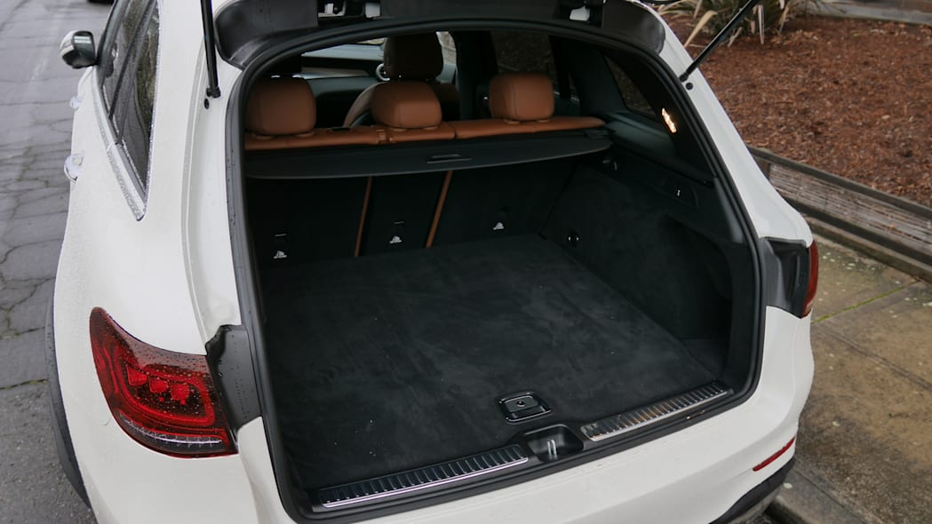 2020 Mercedes-Benz GLC-Class Luggage Test | Not that compact