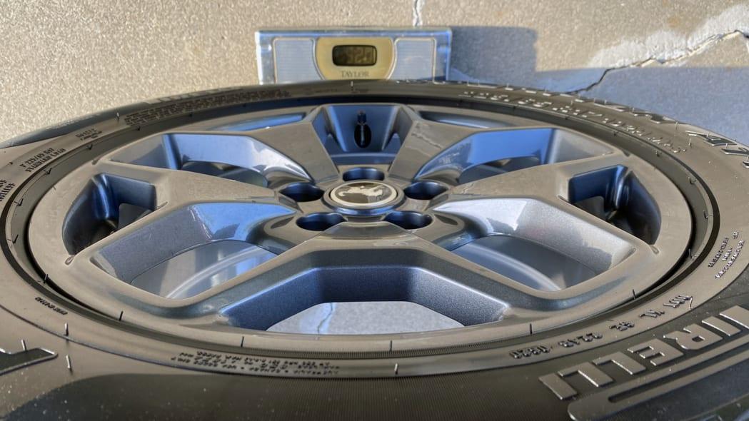 20 tire wt copy.jpg