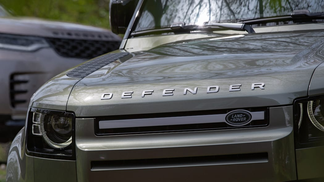 2021 Land Rover Defender 90 and Discovery front closeup