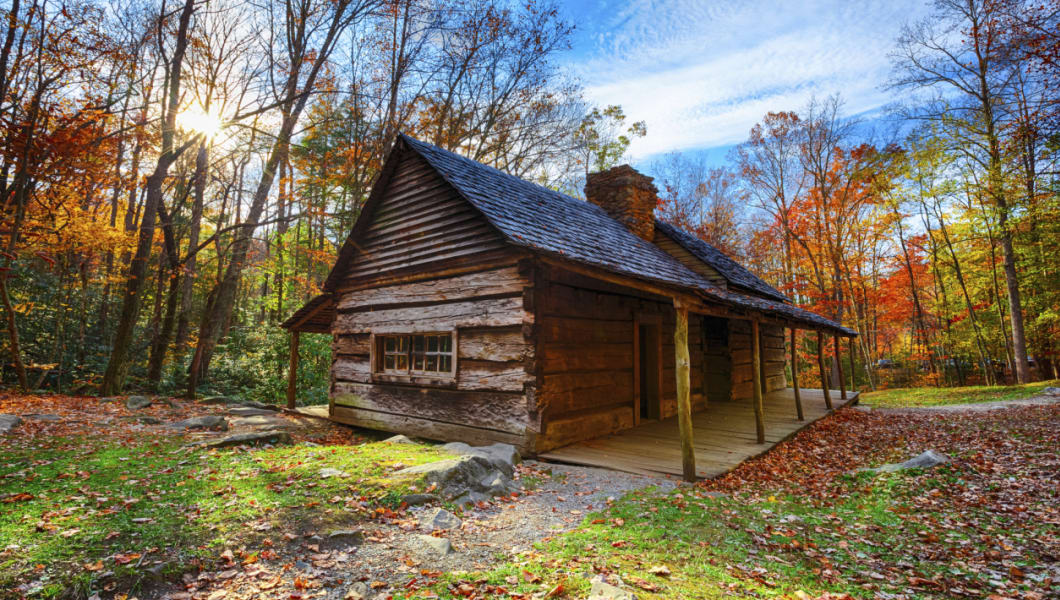Cabin located in the Great Smoky Mountains National Park in Tennessee, near the village of Gatlinburg.More images from the Great Smoky Mountains NP: