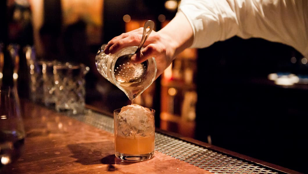 Top Chicago Cocktail Lounges To Quench Your Thirst - The 10 best films to quench your thirst for travel