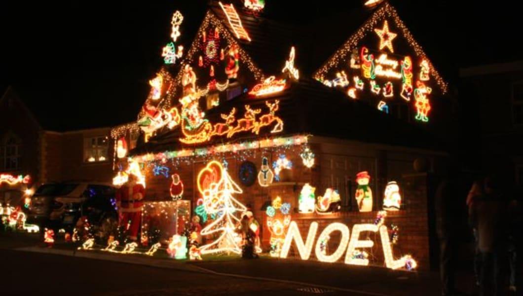 How to Get Christmas Light Crazy in Kansas City