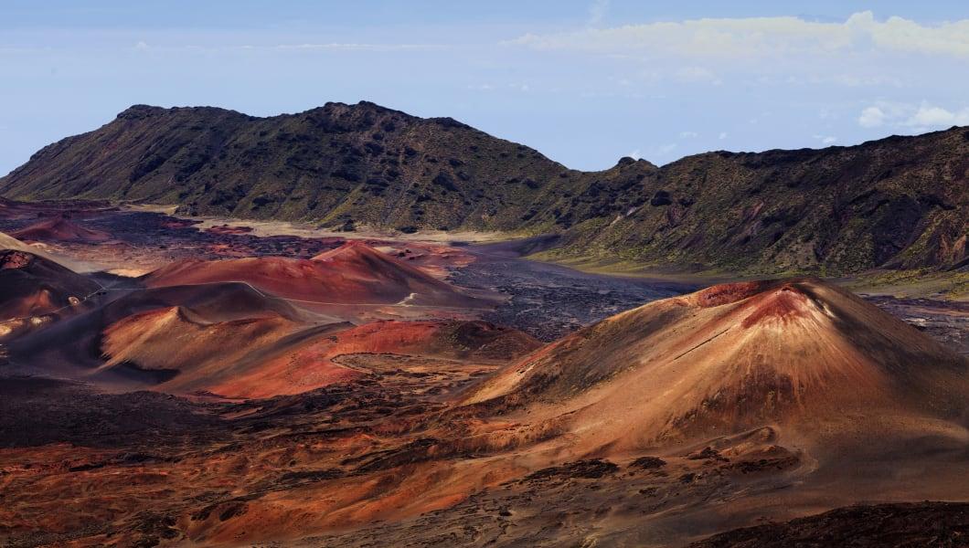 USA, Hawaii, Maui, Haleakala National Park, Cinder cones inside the caldera on slidings sands hiking trail