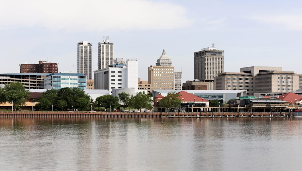 A view of the skyline of Peoria, Illinois from across the Illinois River.