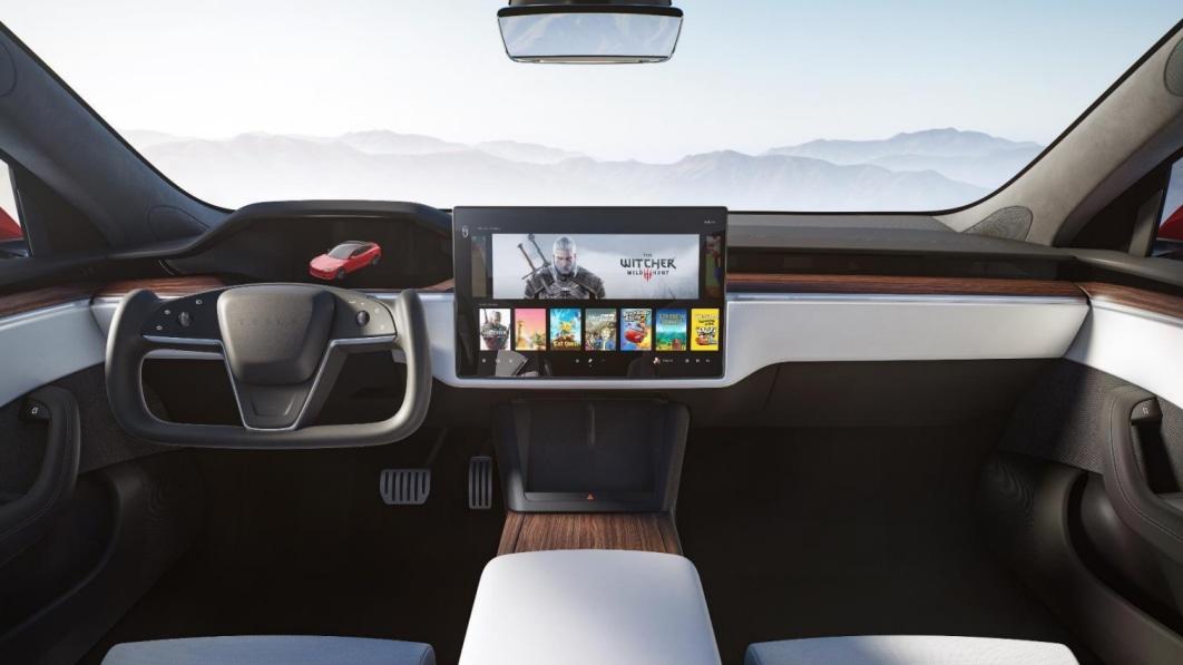 Updated-Tesla-Model-S-interior.jpg
