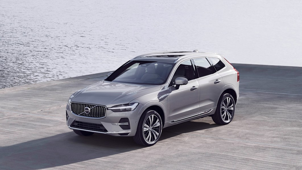 Volvo adds 48V hybrid system to a bunch of 2022 models