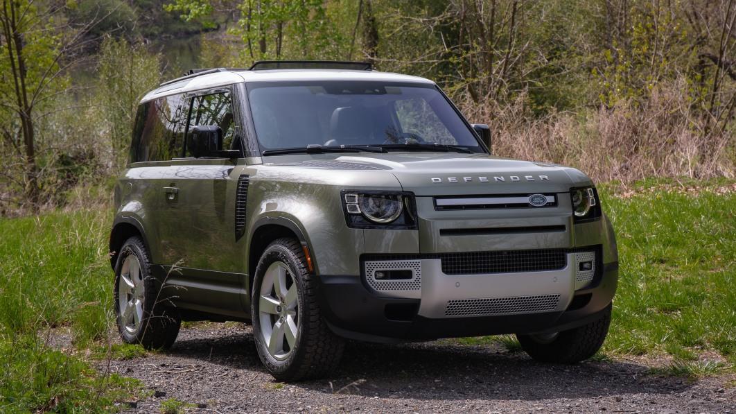 2021-Land-Rover-Defender-90-front-3q.jpg