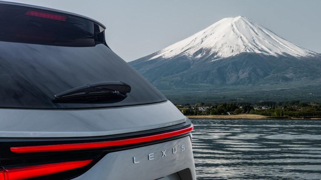 Lexus NX нового поколения — дата выхода