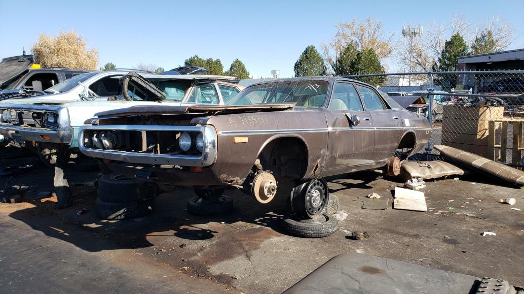99-1973-Dodge-Coronet-in-Colorado-junkyard-photo-by-Murilee-Martin.jpg