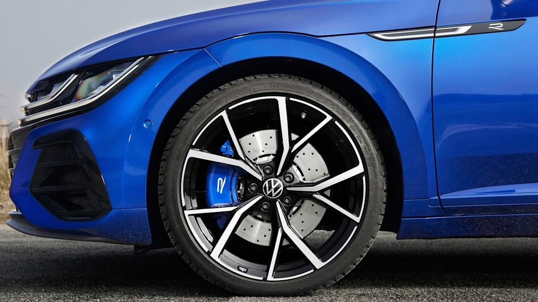 Volkswagen-Arteon_lead1.jpg