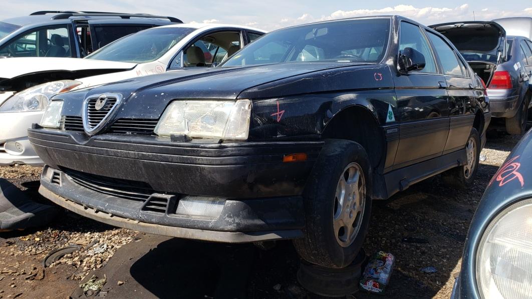 38-1992-Alfa-Romeo-164-S-in-Colorado-junkyard-photo-by-Murilee-Martin.jpg