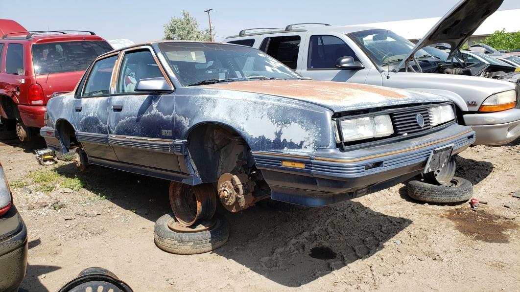 99-1989-Pontiac-6000-STE-AWD-in-Colorado-junkyard-photo-by-Murilee-Martin.jpg
