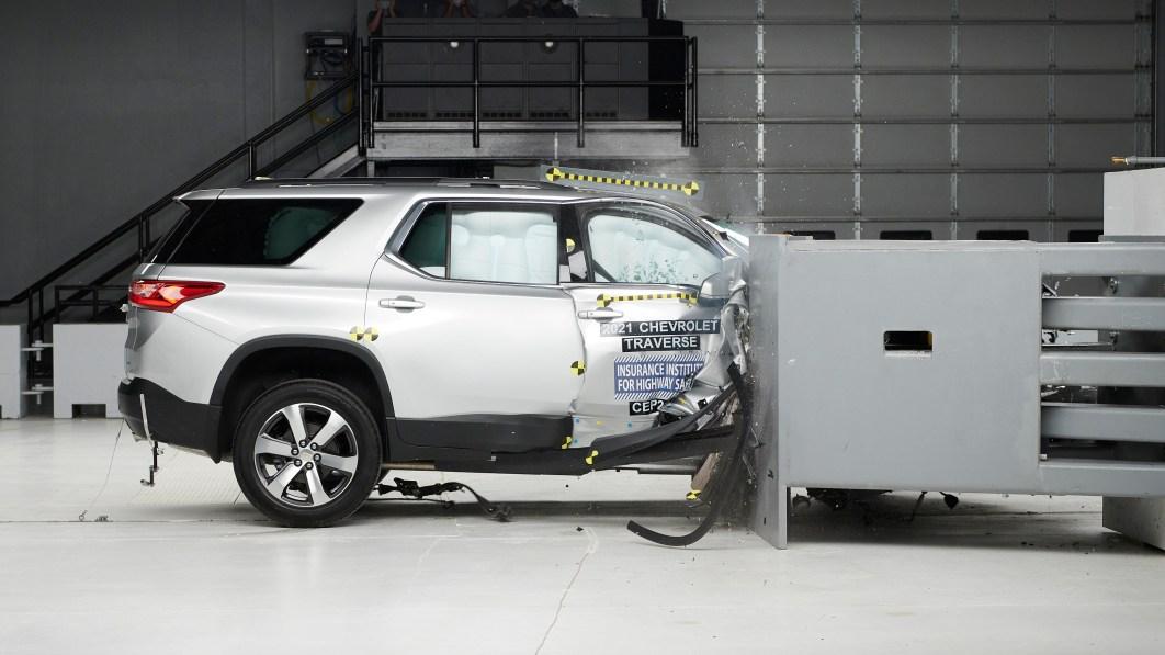 2021 Chevy Traverse erhält IIHS Top Safety Pick nach neuem Crashtest