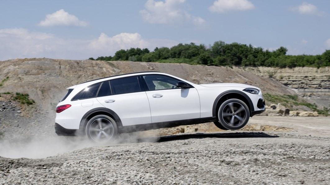 Mercedes-Benz streicht die Hälfte seiner Motoren, um die Vorschriften einzuhalten