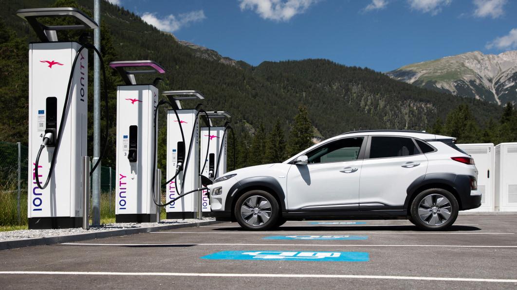 Bidens Infrastrukturplan nimmt das Problem der Ungleichheit beim Laden von Elektrofahrzeugen in Angriff€