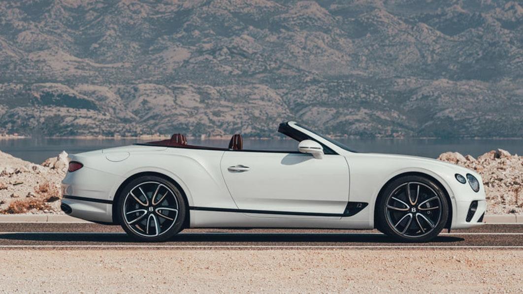 2021_Bentley_Continental_GT.jpg