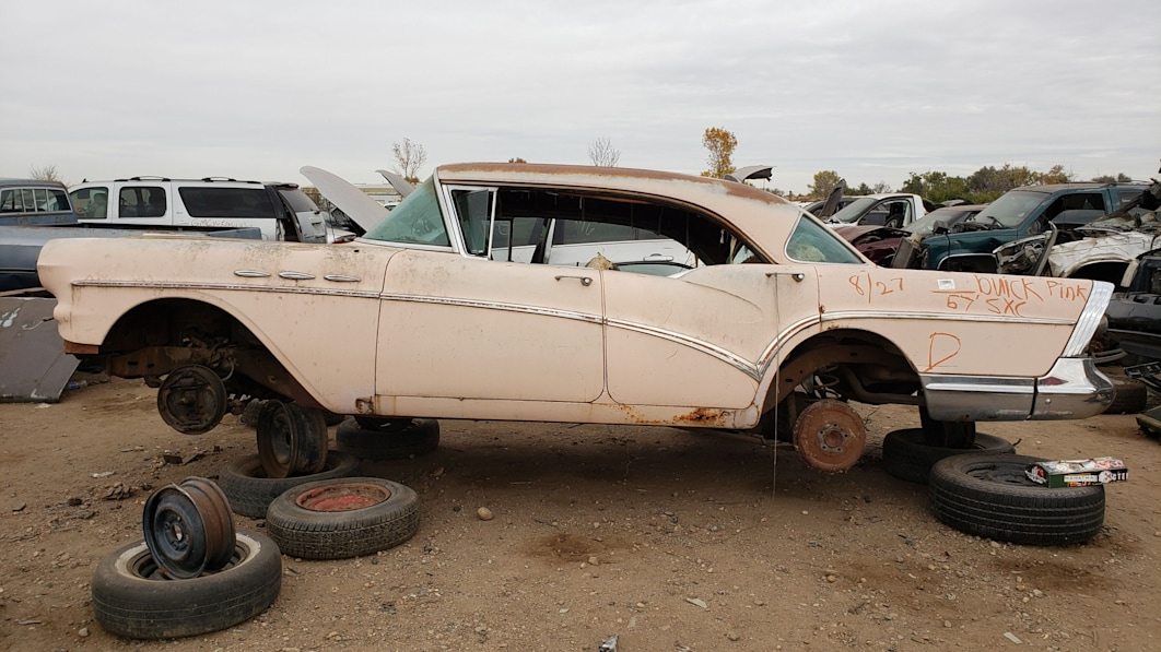 99-1957-Buick-Special-in-Colorado-junkyard-photograph-by-Murilee-Martin.jpg