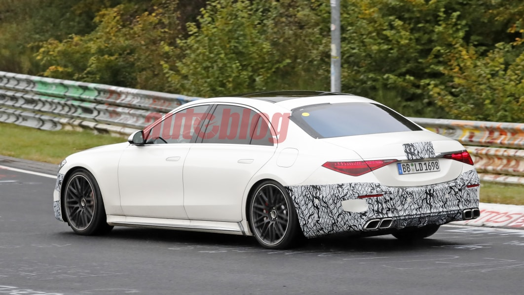 Mercedes-AMG-S63e-18.jpg