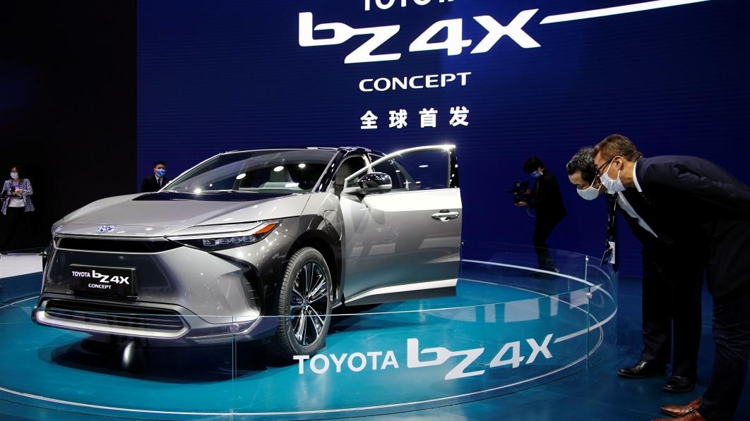 Suzuki and Daihatsu join Toyota electric vehicle venture
