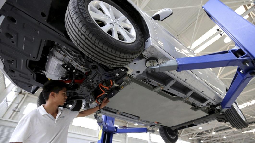 Next step for EVs: Design batteries to strengthen car, extend range