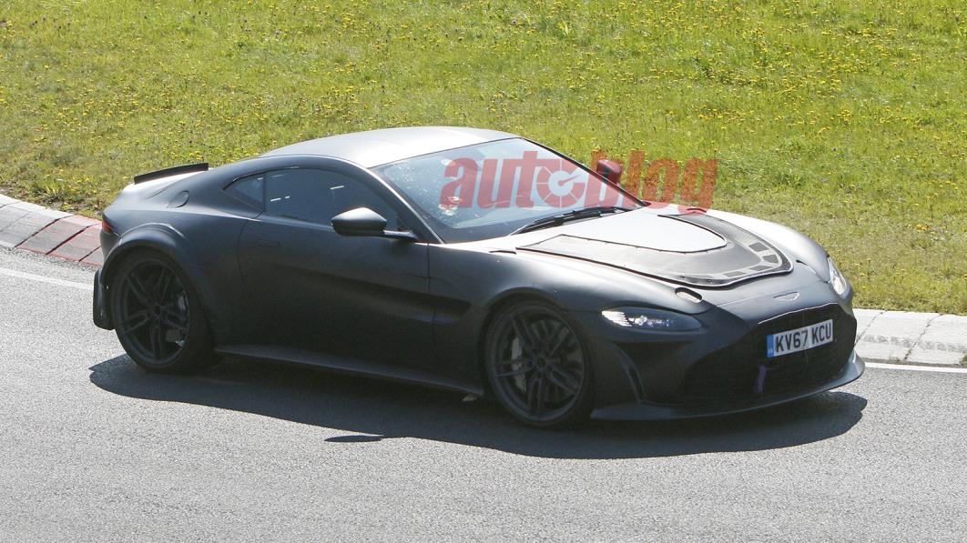 Aston Martin scheint auf diesen Spionagefotos einen V12 Vantage zu testen