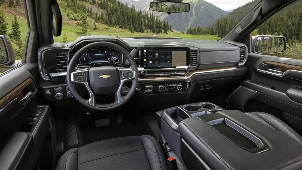 2022 Chevy Silverado Innenraum sieht viel besser aus€