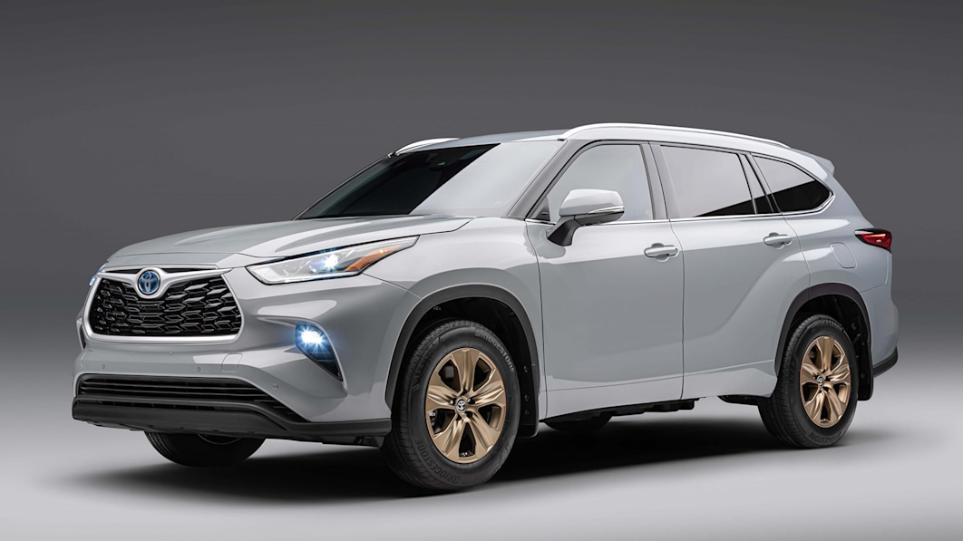 2022 Toyota Highlander adds Bronze Edition to hybrid model