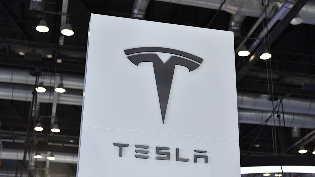 Tesla muss wegen Rassismus über 130 Millionen Dollar an einen schwarzen ehemaligen Mitarbeiter zahlen€