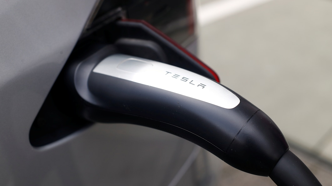 Analysis: Tesla's iron-based battery plan paves way for Chinese in U.S.