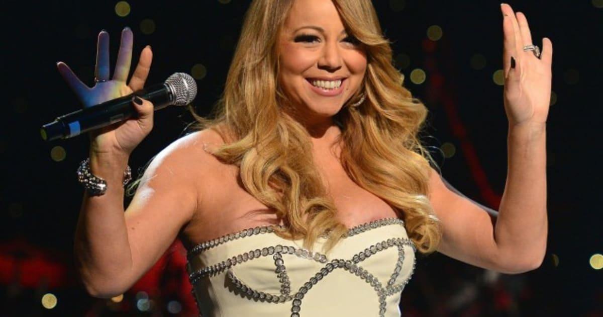 Mariah Carey Nipple: Singer Flashes Some Boob At Concert (PHOTOS) |  HuffPost Canada