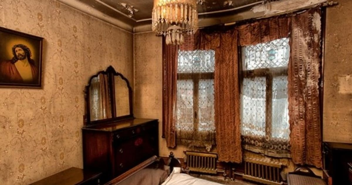 Spooky Montreal Home For Sale Gives Us The Creeps Photos
