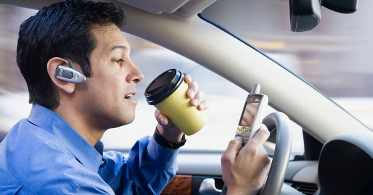 the dangers and safety risks of talking on a cellular phone while driving