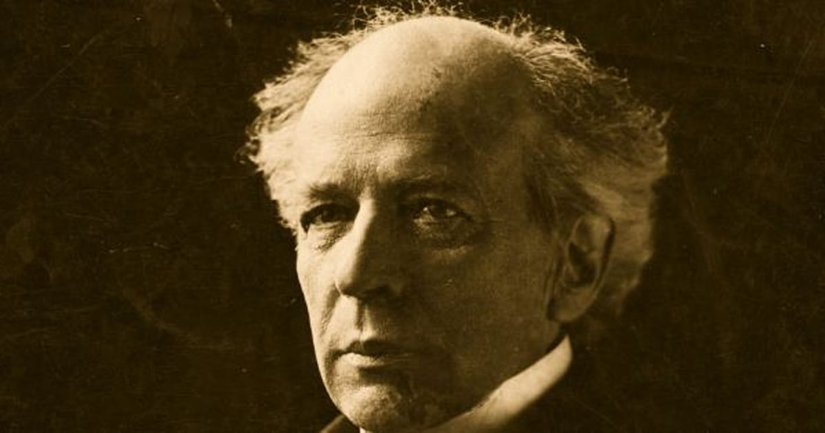wilfrid laurier essay Born on november 20, 1841, wilfrid laurier entered into a poor family that could barely scrape together enough money to buy food for the children food.
