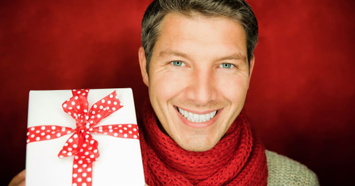 men christmas gifts 50 present ideas under 50 for dads boyfriends and more huffpost canada