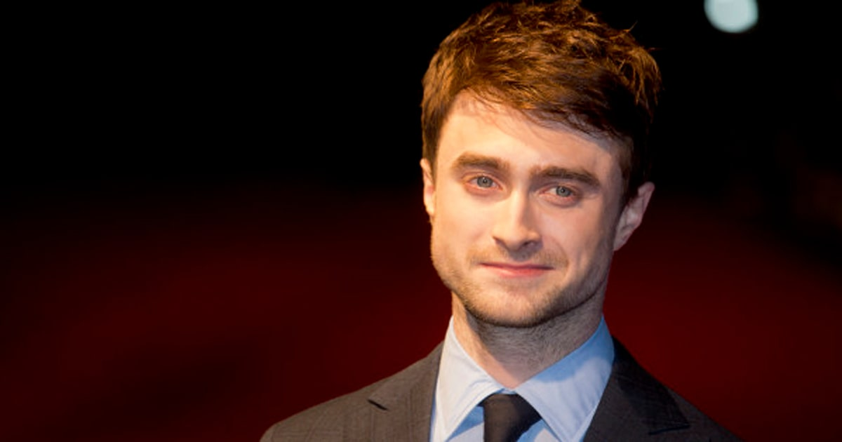 Daniel Radcliffe Looks Barely Recognizable With Long Hair Photos
