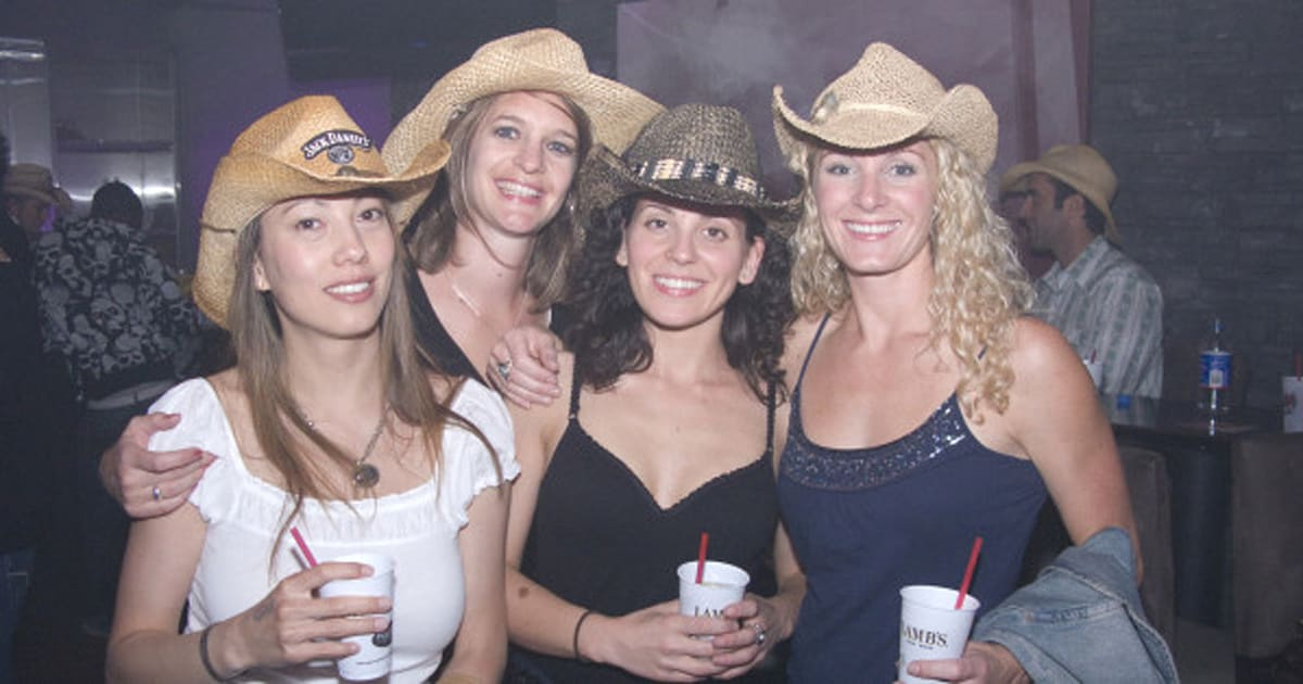 Calgary Stampede A Hit With The Singles Set Huffpost Canada