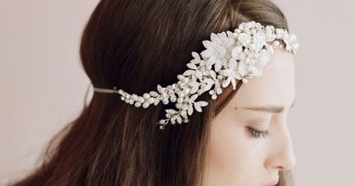 25 Lovely Wedding Hair Accessories For The Special Day