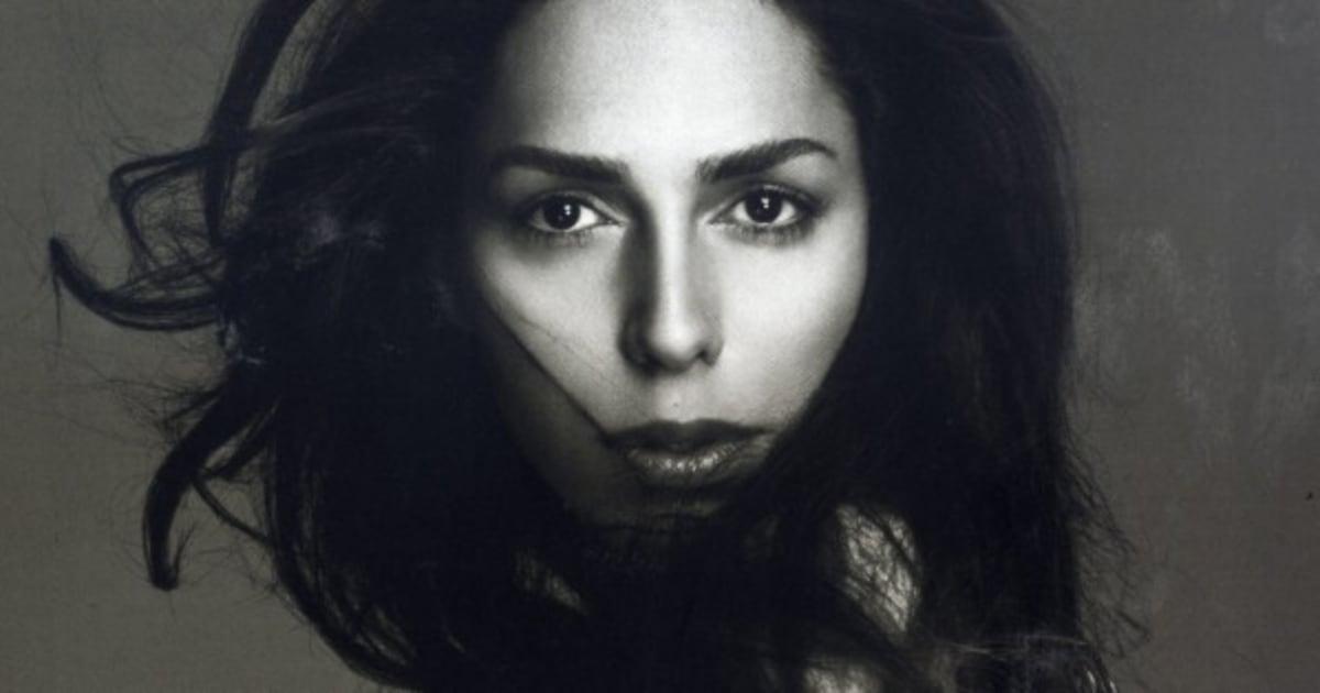 Para a Forbes, modelo transexual Lea T está entre as mulheres que mudaram a moda italiana ❤
