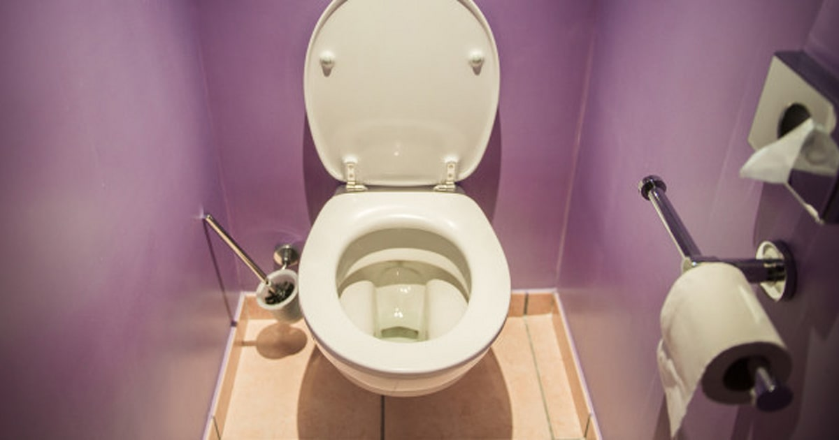 How To Use Vinegar To Clean Hard Stains In Your Toilet