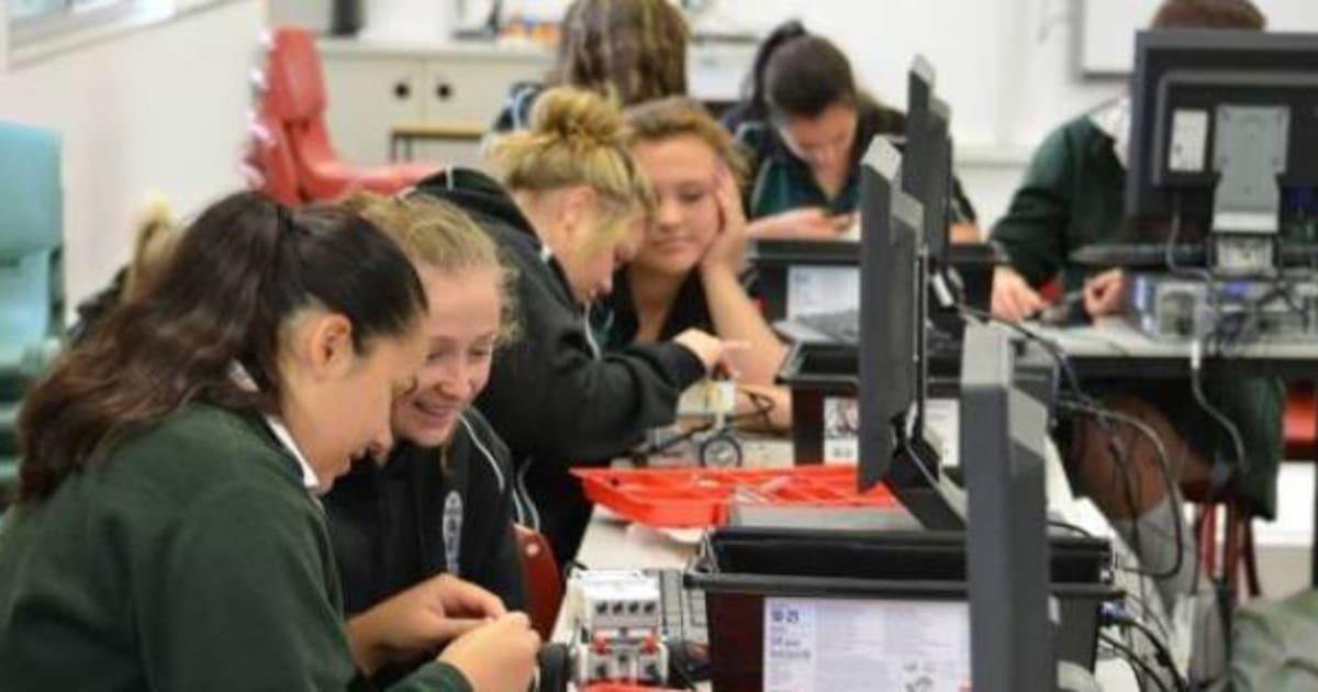 Projeto com robôs na Austrália atrai meninas para carreiras científicas