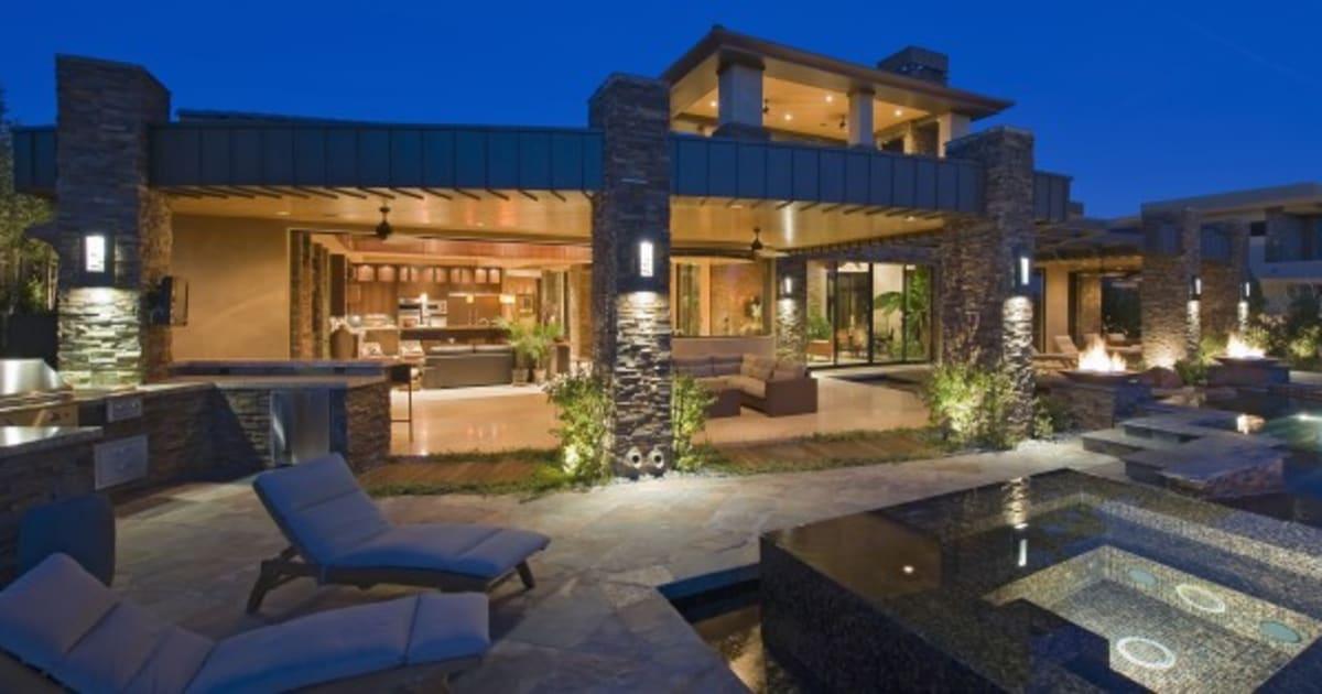 Amazing Toronto, Vancouver Luxury Home Sales To Continue To U0027Defy Gravityu0027: Report