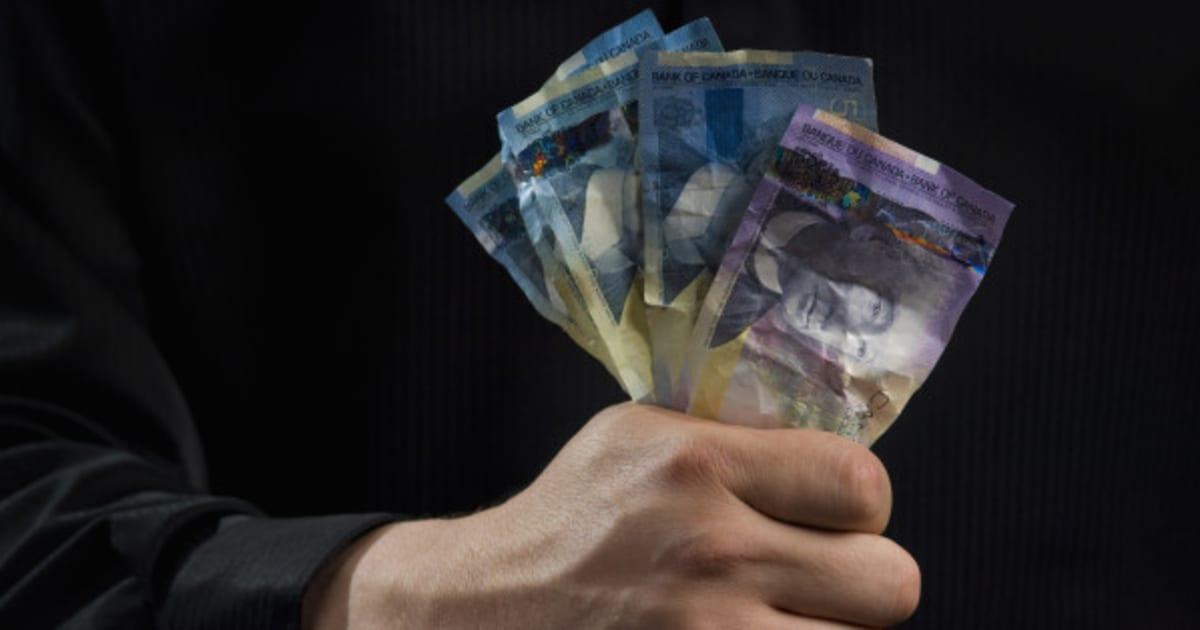 Les Trucs Infaillibles Pour Detecter Les Faux Billets De Banque