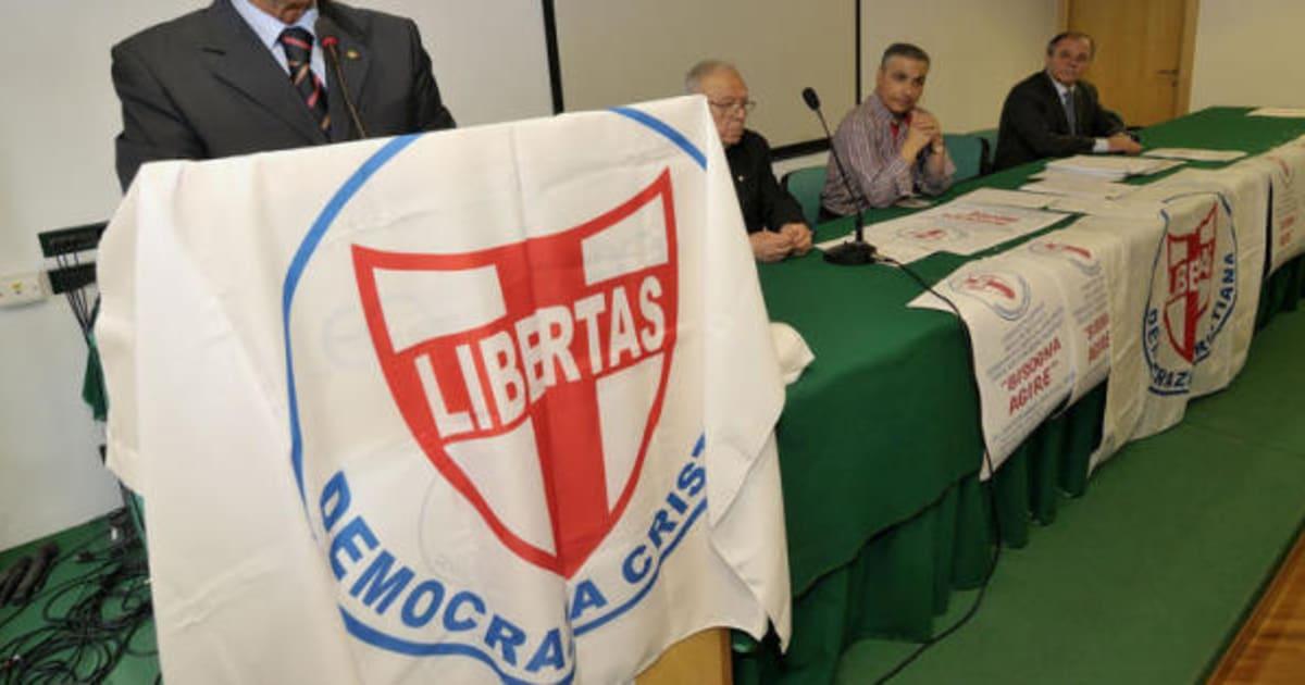 Risultati immagini per Gianfranco Rotondi democrazia cristiana
