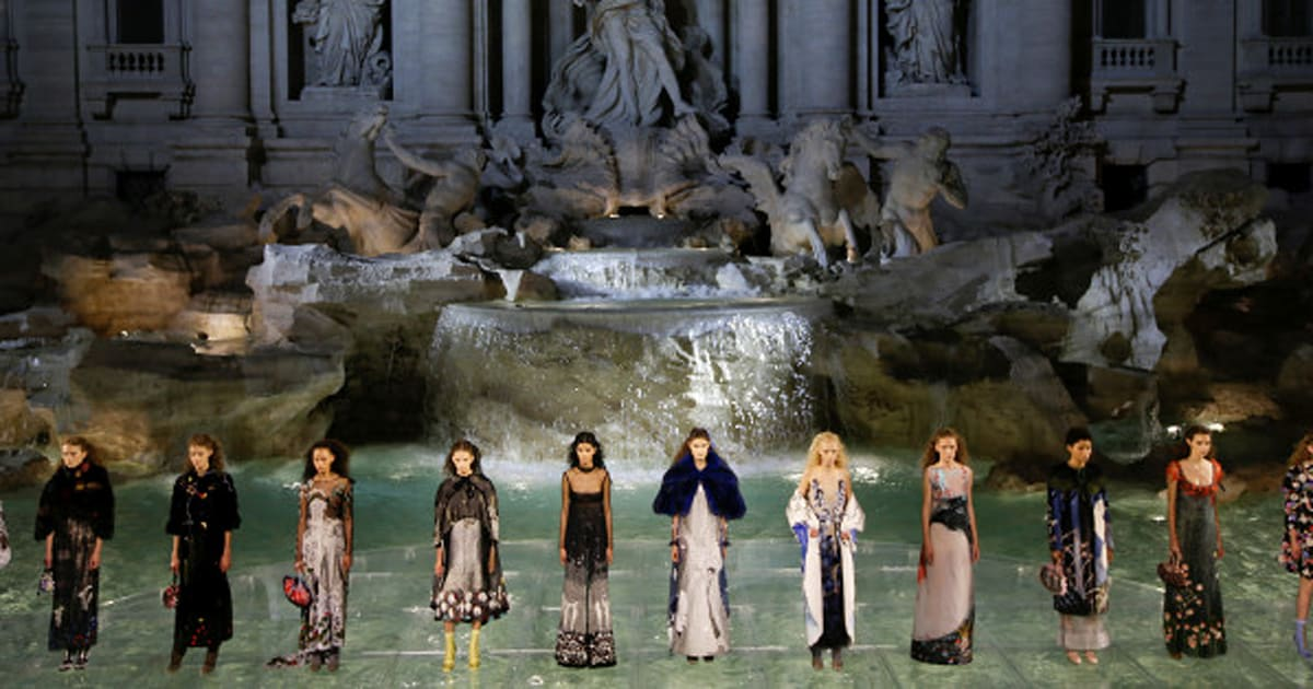 Fendi s offre la Fontaine de Trevi   Le Huffington Post 3588183f2c9