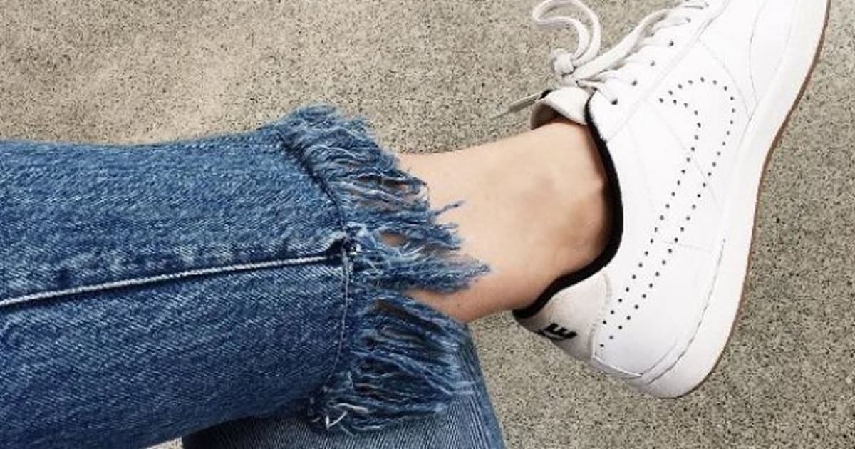 6a036e837691 DIY Frayed Jeans  How To Fray Your Denim Into Fringed Hem Perfection ...