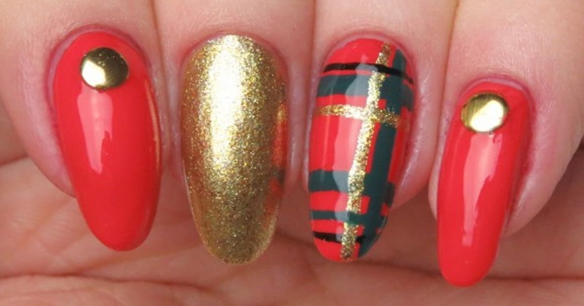 Nail art festive plaid nails to rock over the holidays prinsesfo Choice Image