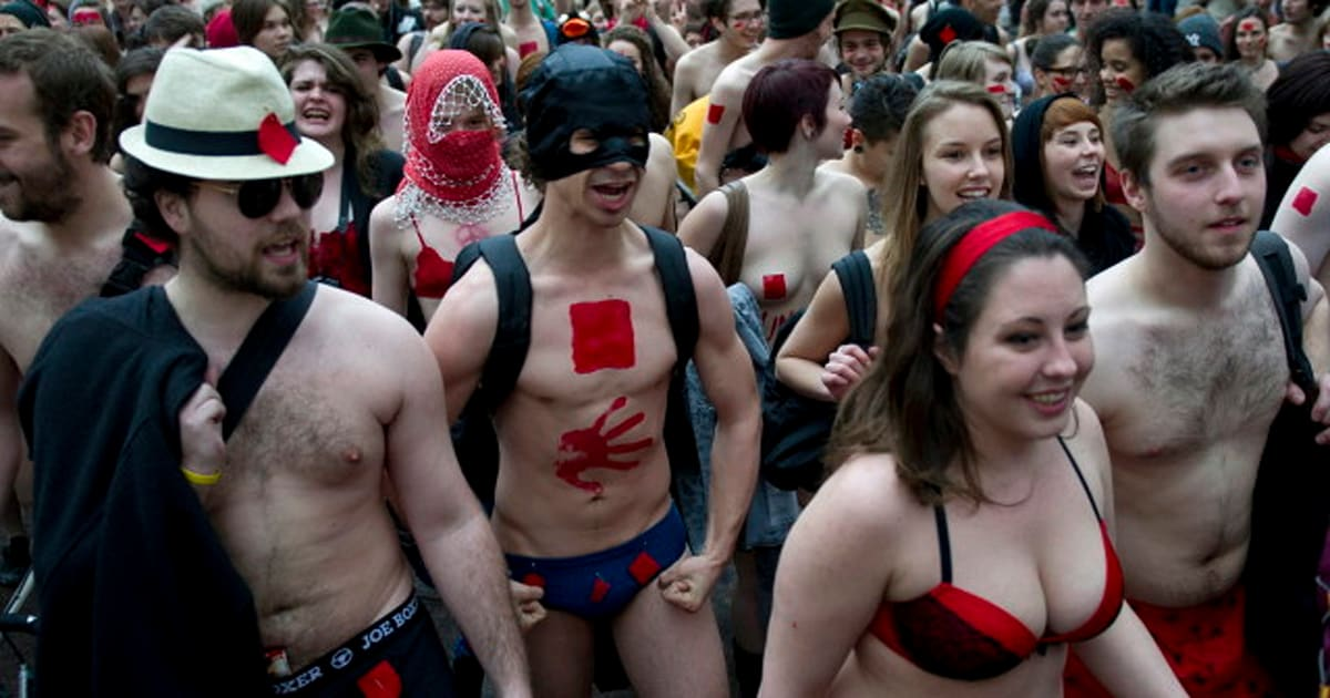 Quebec Student Underwear Protests: Anti-Tuition Hike Fight Gets Bare  (PHOTOS, VIDEO)   HuffPost Canada