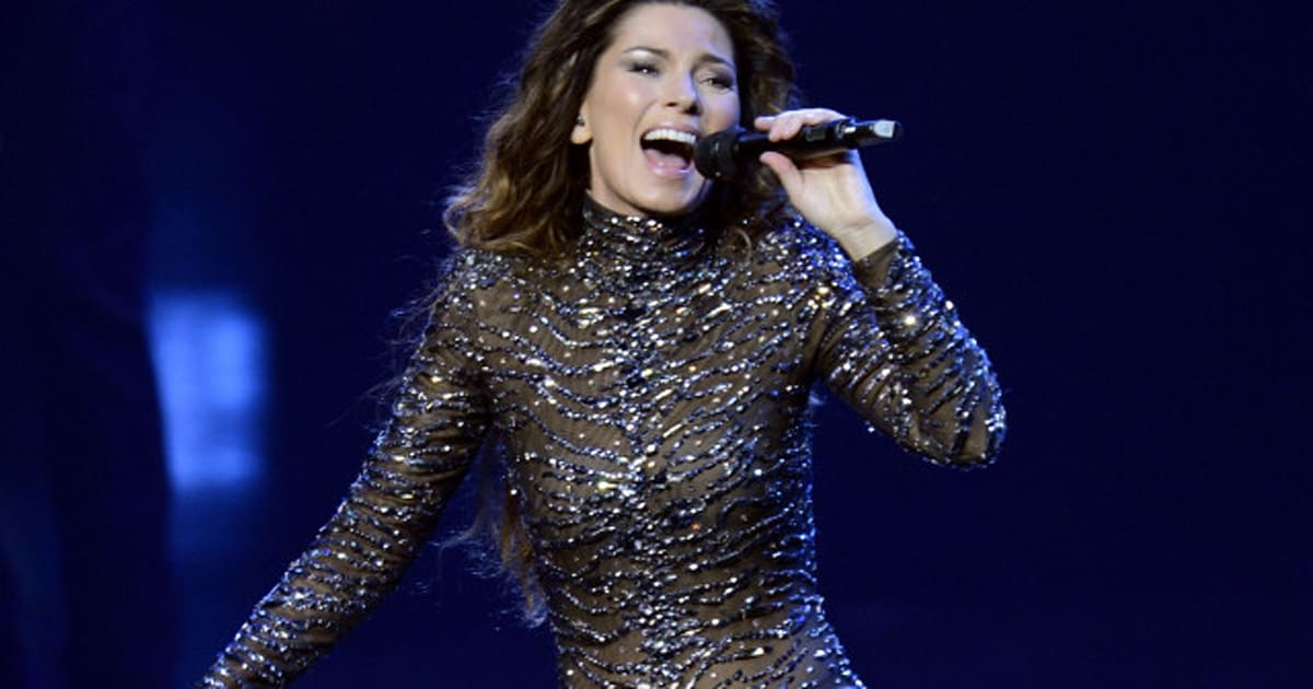 Shania Twain Stuns In Sexy Sequin Jumpsuit After 8-Year Hiatus