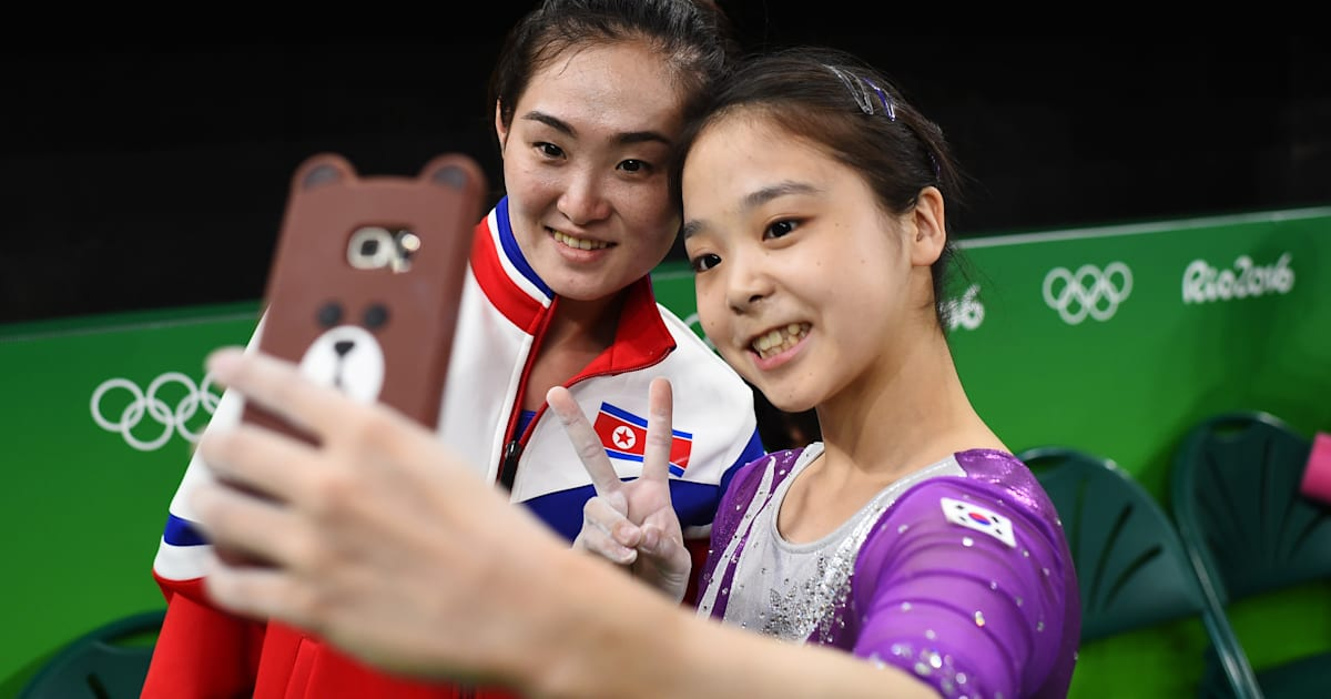 Gymnasts From North And South Korea Just Took A Selfie Together